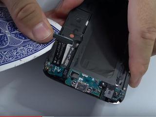 Samsung Galaxy Note 8  Не заряжает смартфон, заменим разъем!