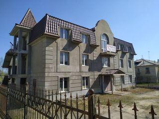 Продается трехэтажное здание в Новых Аненах.