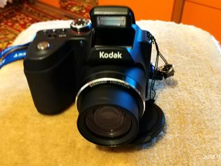 отличная камера кодак z5010 весь комплект состояние нового прошу 85  евро