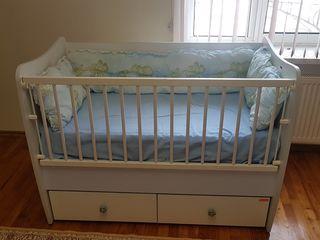 Детская кроватка с матрасом, состояние отличное!