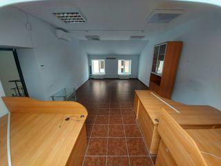 Chirie oficiu, sec. Centru, str. Mihail Eminescu 49, 30 m2!!!
