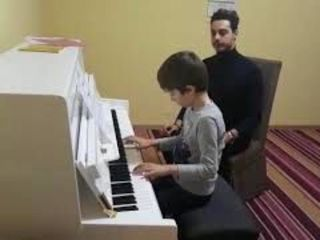Lectii de pian si accordeon pentru copii