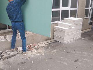 Ridicam materiale de constructie la etaje