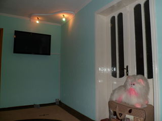 Vind casa in regiunea colegiului cooperatist sau schimb pe apartement 1 camera+bucatarie