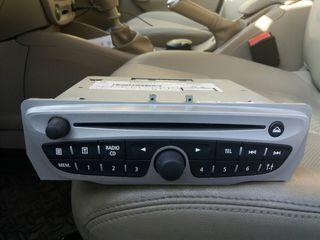 Магнитофон Renault Megane III, Scenic III, Fluence - Bosch 281155040RС - autoradio Renault