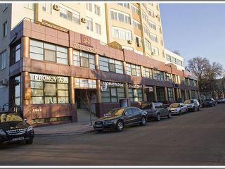 2 места в подземном паркинге Петру Рареш 36 Возможна покупка в рассрочку.