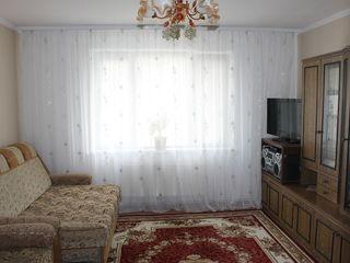 Срочно! Продается 2-х комнатная квартира на 5 этаже с мебелью. Не дорого!