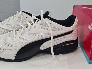 продам новые оригинальные кроссовки  PUMA