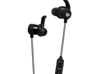Bluetooth JBL Reflect Mini BT (самые легкие спортивные беспроводные наушники)