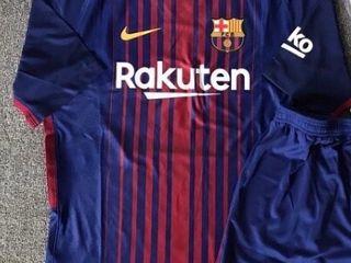 Vând tricoul original Barcelona 2017