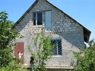 1.5 этаж. дом-дачу 80 м2 ( котельцовый ) участок 6 соток,между сел.Пересечина и сел.Ратуш