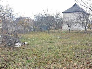Or. Cricova - teren  pentru constructie, 6 ari la 9000 €