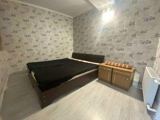 Chirie! Apartament cu 2 camere+Trecatoare
