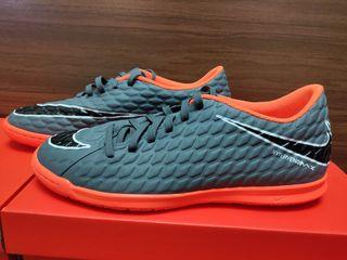 Bampuri si bute originalBampue Anglia Nike Tiempo din piele (Футбольные бампы) Nike Adidas Puma Noi