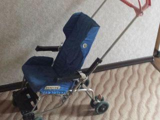 Отличная. легкая и прочная коляска. 110 лей