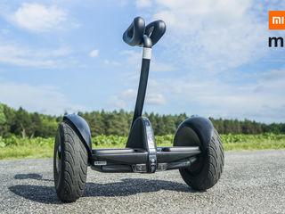Ia-te la întrecere cu vântul şi savurează plăcerea mişcării cu gyroscooter-ul Xiaomi Ninebot Mini!