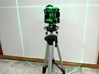 Laser HiLDA 3D 12 Linii + Ștativ 1.5m CADOU + Livrare GRATIS!