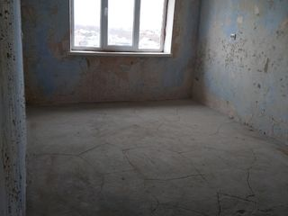 Продам 2-х комнатную в центре Леова