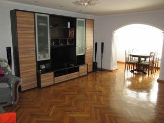 Casa buna pentru doua familii cu euroreparatie, mobilata, doar 4 km de Chisinau, achitare in rate!