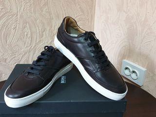 Срочно продам фирменные кроссовки Hugo Boss оригинал 100%