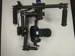 Stabilizator video pentru camere DSLR şi pentru Sony NEX Panasonic GH4/5