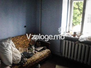 Încapere locativă (apartament cu 2 odai) or. Soroca, str. V. Stroescu, 23/5.