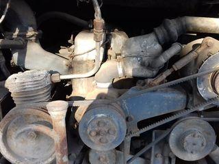 продаются   дизельный 6 цилиндровый однорядный  двигатель Mercedes