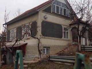 Se vinda vila in stare buna, renovata recent. 18000 euro. Usor negociabil
