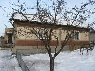 Продается половина дома(дюплех)87кв.м. на 7 соток земли в Бельцы по ул. Гагарина 59