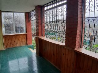 Продается дом в центре Чимишлии