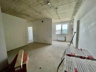 Vind apartament 2camere + living/ ghidighici str. sfatul tarii/ curte privata/ priveliste panoramica