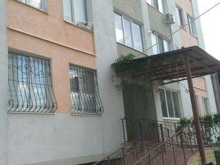 spre vinzare apartament in casa noua
