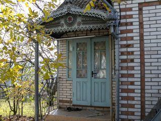 С прекрасным видом на лес дом -дача в городской черте