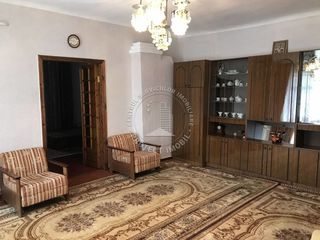 Apartament la sol cu 3 camere ieftin!!!