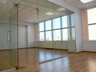 Închiriere oficiu 75,5 m2, cu vedere la bd. Ștefan cel Mare