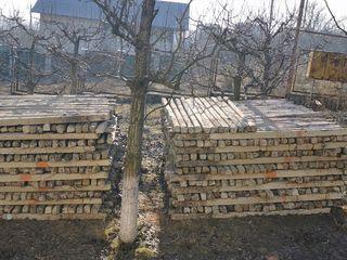 Vind pari de beton spaliera pentru vie de 2.40 si 2.80 m.Productie sovetica. Столбы бетонные