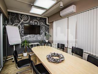 Vînzare oficiu, Centru, str. Bucuresti, 674 m2!