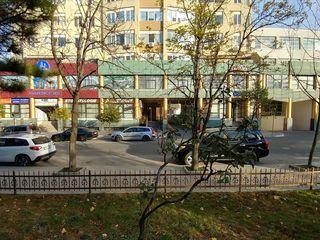 Apartament cu 3 odăi + 2 Parcări subterane in centrul orașului