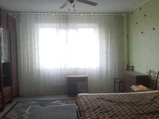 De vinzare apartament cu 3 odai, 143 seria, Centru, Cahul