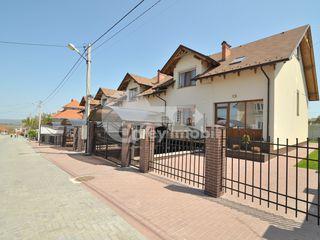 Town-House cu 2 nivele, 240 mp, 103000 € !