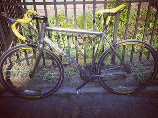 Urgent vind bicicleta Carrera 'limited edition' (4000 mii lei )