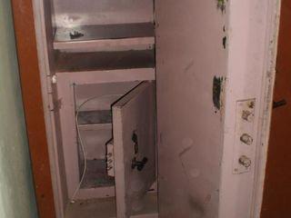Открывание сейфов, открывание квартирных замков без повреждений!