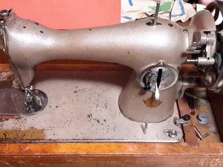 Продам - швейная и вязальная машины.