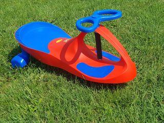Mașinuța-skateboard. Super-jucărie! Nouă. 690 lei. Priviți video!