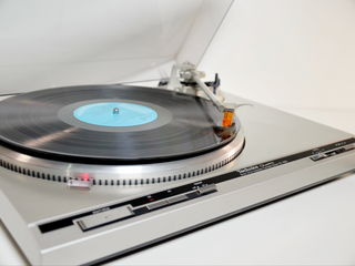 Technics Quartz Direct Drive Automatic Hi-End Turntable Model SL-Q30  Made in Japan