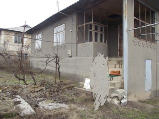 Se vinde casa cu 2etaje,in stare buna.  Sau schimb pe un apartament in Chisinau! Sunati!!!