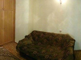 Сдается в аренду комната в доме на земле, рядом с парком Алунелул.
