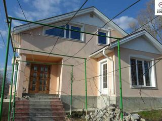 Casa in 2 nivele, Tohatin