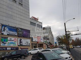 Vânzare, spațiu comercial, 36 mp,  Centrul comercial Jumbo, 26900 €