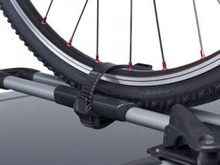 Крепления для перевозки велосипедов на автомобиле и багажники от бренда Thule